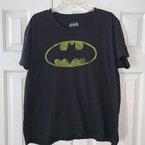 EUC Batman Short Sleeve Tee Shirt Size 2XL.